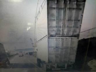 台中港貨櫃車疊疊樂 警追查天兵駕駛