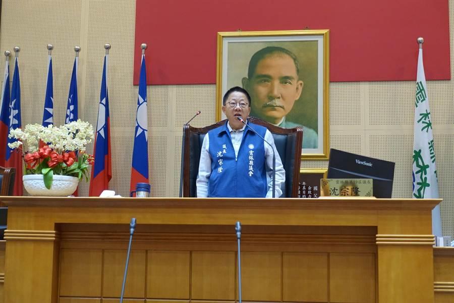 議長沈宗隆表示,「韓國瑜能夠顧我們的肚子當然我們也顧他的佛祖」。(周麗蘭攝)