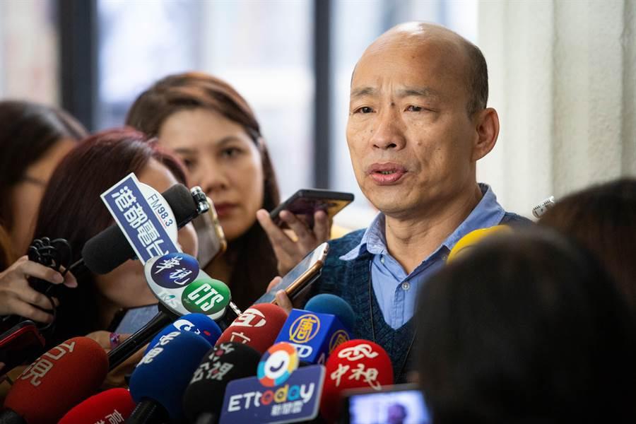 高雄市長韓國瑜對於市府公文被前朝機要帶走、吳姓前攝影官5次闖入巿長室,希望檢察官嚴格調查。(袁庭堯攝)