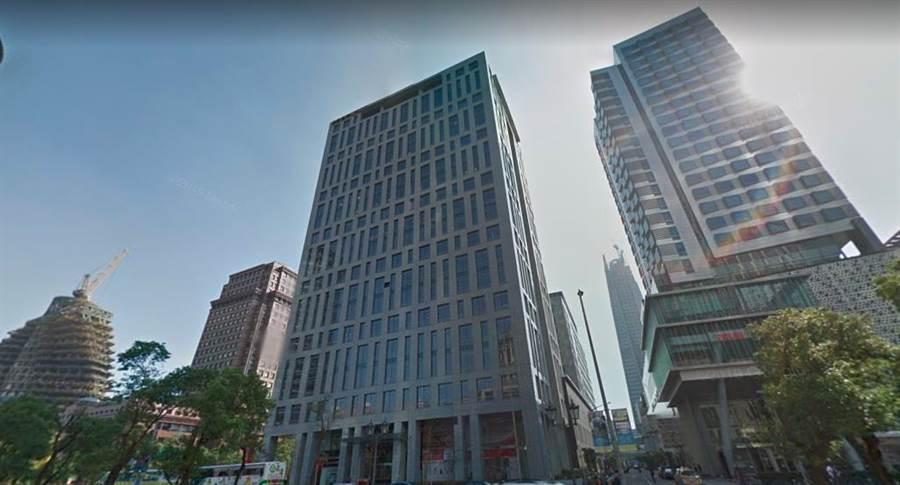 最新實價資料顯示,新光信義金融大樓今年3月,高樓層19樓月租3,676元,創下該社區實價新高價。(翻攝自Google Map)