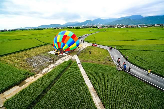 冬山鄉公所將在6月舉辦熱氣球嘉年華,今天試飛,鄉公所表示,舉辦活動當天升空高度會比試飛時還高。(李忠一攝)
