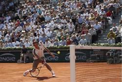 法網》費德勒連14次闖男單16強成史上第一