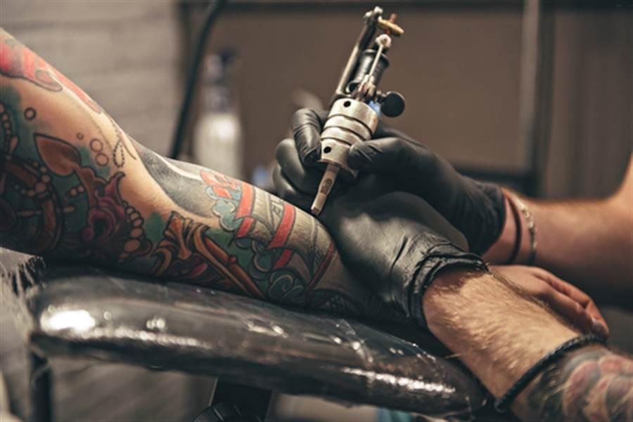 全身90%刺青 他求完美做了這事(示意圖/達志影像)