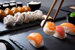 家人外食放生他 男神複製台版壽司