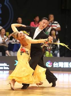 運動舞蹈》「五項全能」 地主搭檔台灣舞蹈節奪金