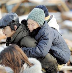 日本面臨超老化危機