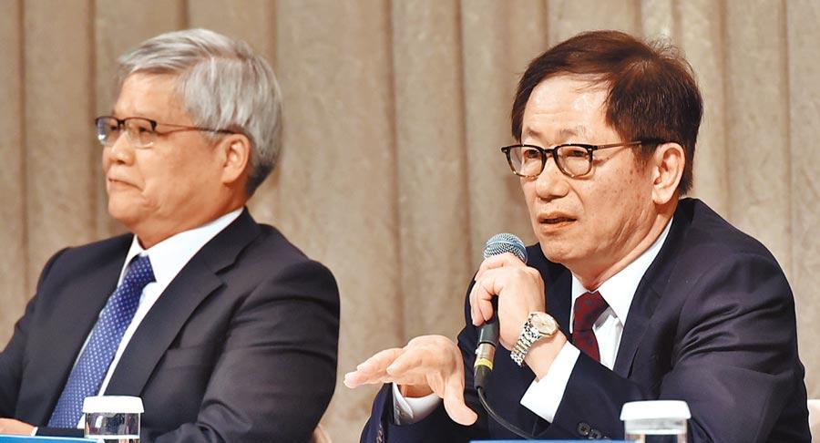 台積電將於6月5日召開股東常會,由董事長劉德音(右)主持,這是劉德音擔任董事長後第一次主持股東常會。圖/本報資料照片