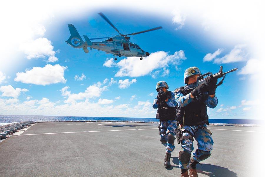 解放軍海軍南海艦隊遠海訓練編隊,在某海域進行演練。(中新社資料照片)