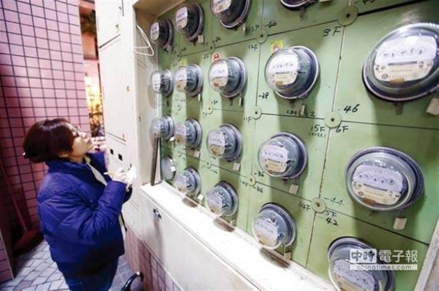 2025年每度電恐增至3.39元。(本報系資料照)
