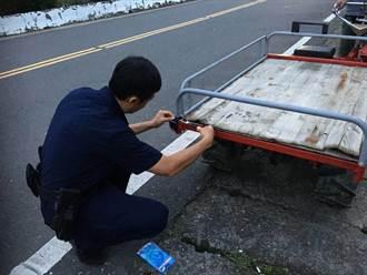 玉井警幫農用搬運車裝車尾燈 農民讚貼心