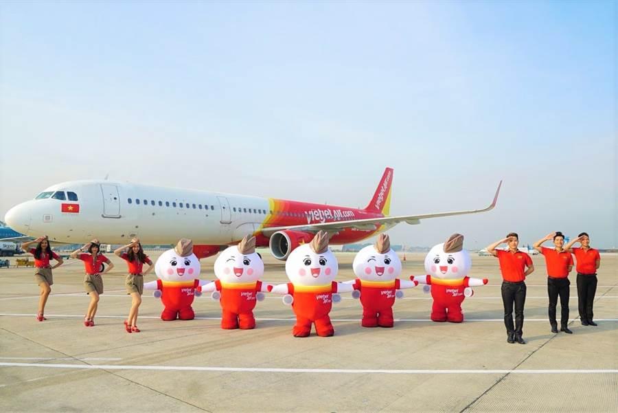 台灣直飛河內或是胡志明市單程飛行時間不到4小時。