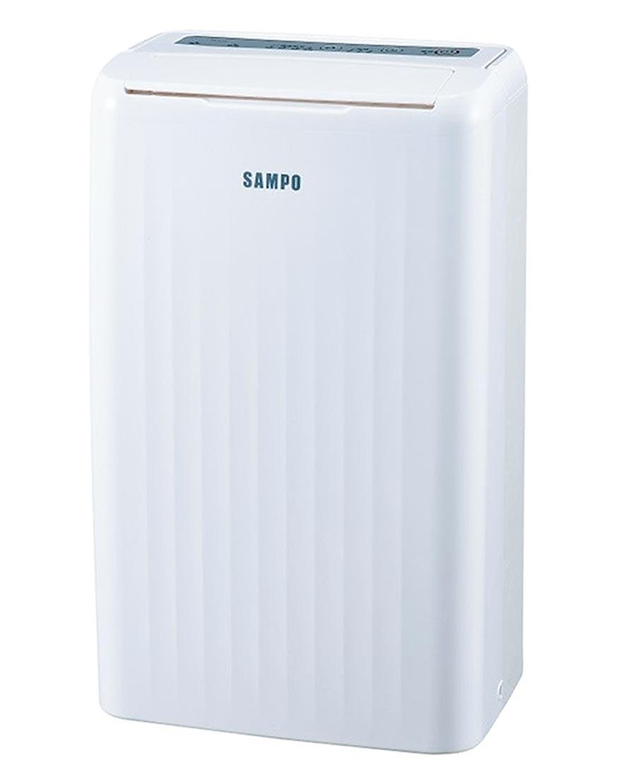 愛買聲寶6公升1級空氣清淨除溼機AD-WA712T,周末熱銷款,使用甲殼素濾網,可同時作為烘衣機、空氣清淨機使用,6月4日前原價5190元、特價4880元。(愛買提供)