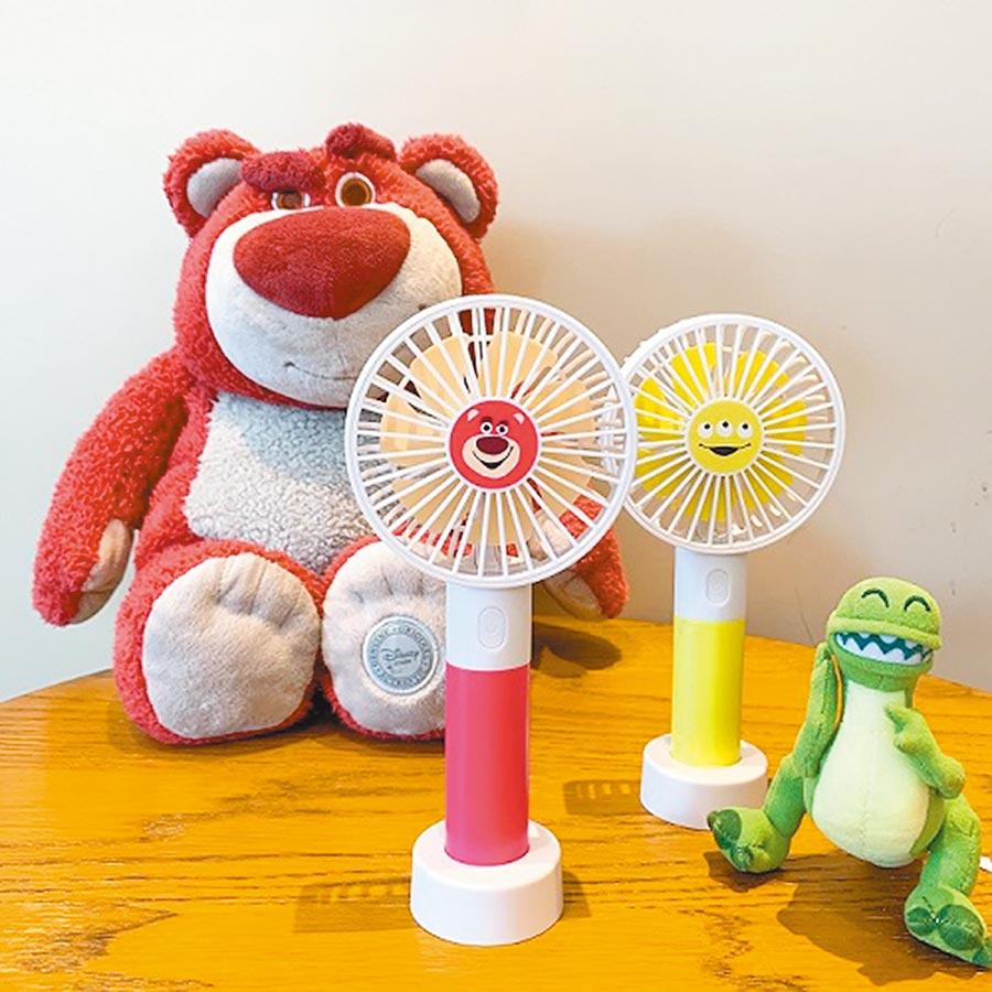 7-11玩具總動員系列桌上兩用風扇,附上可拆式桌立底座,3段風速,599元。(7-11提供)