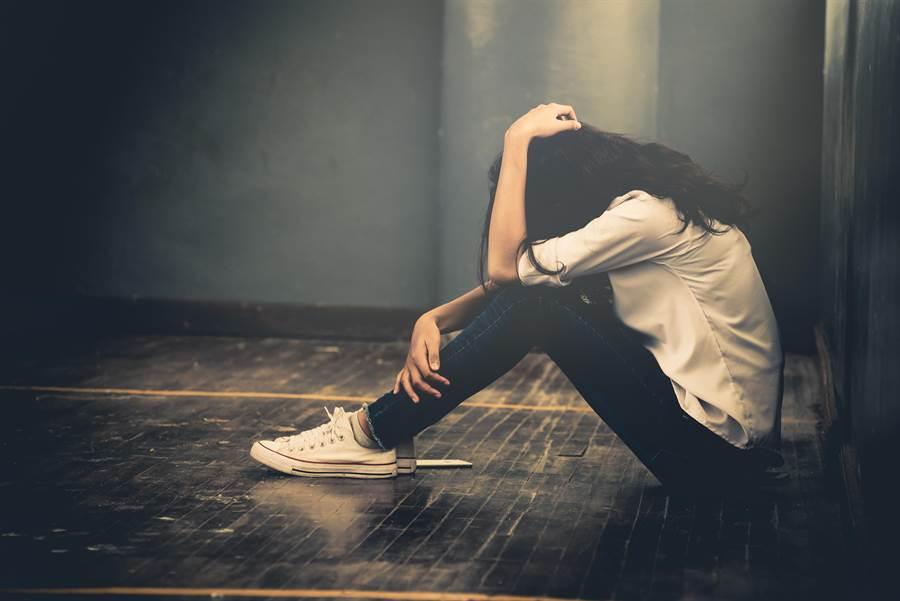 研究證實,哭可以幫助減重。(圖/達志影像)