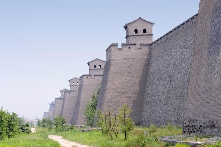 為何古代城牆都建成「鋸齒狀」?(示意圖/達志影像)
