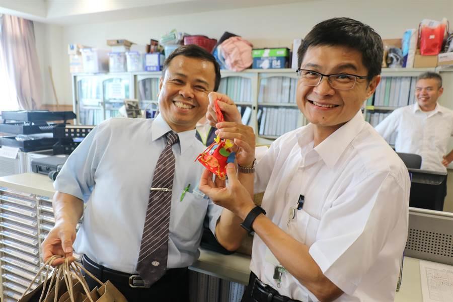 台中慈濟醫院醫護人員與懿德家族共同營造「家的感覺」。(院方提供)
