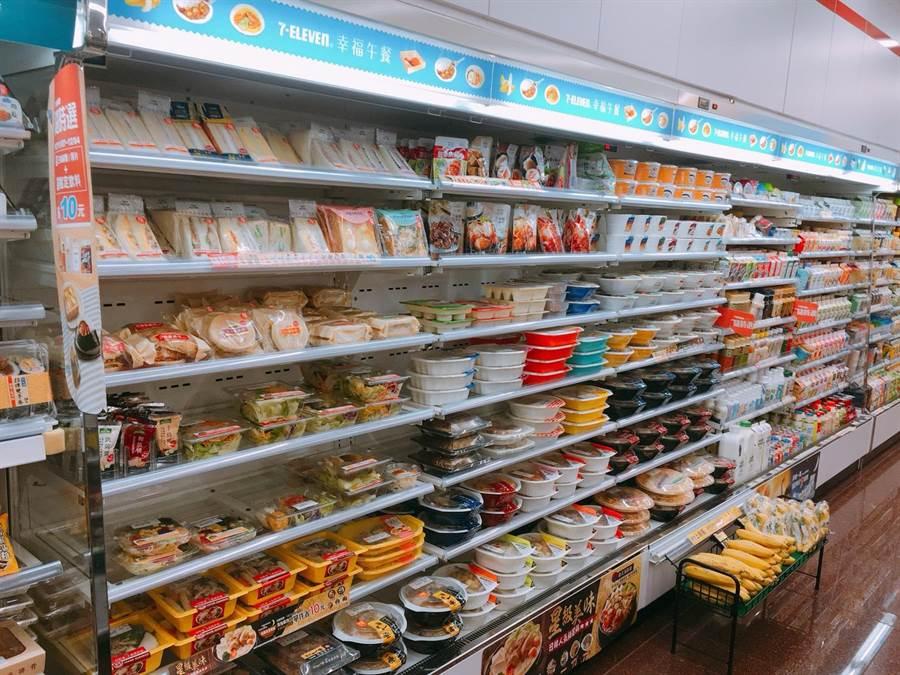 看好本周末韓國瑜將在花蓮造勢,超商業者針對周邊近40間門市增加鮮食、關東煮及咖啡等商品備貨。(7-11提供)