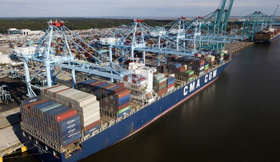日本野村證券調查指出,美中貿易戰轉單效應受益最大的是越南,台灣受益居次。(圖/美聯社)