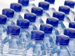 只喝瓶裝水?科學家驚爆恐怖下場