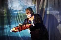 關注海洋環保 芬蘭藝術家把垃圾變戲偶