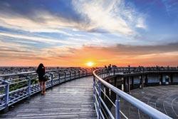 卦山步道 搭起人間最美鵲橋