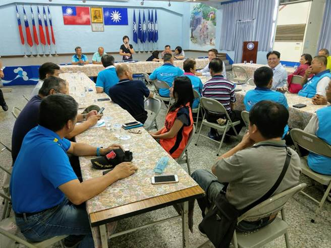 花蓮縣挺韓後援會要角紛紛露臉,力廷韓國瑜參選總統救台灣。(范振和攝)