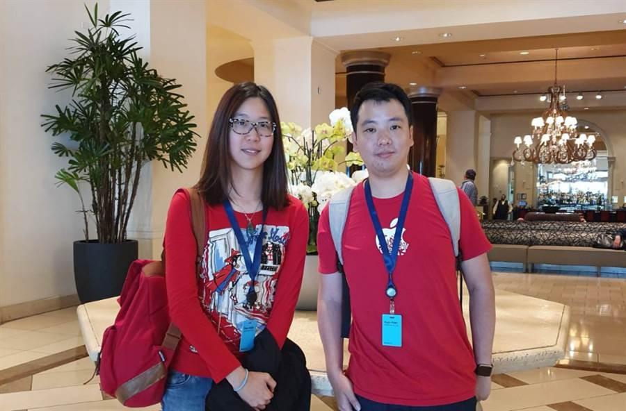 Gogolook iOS 工程師 Darkes Fang(左)與 Henry Tseng。(圖/黃慧雯攝)