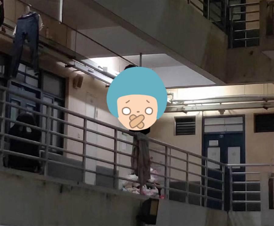 宿舍驚見命案現場!學生半夜嚇傻(圖/翻攝自微博/天秀bot)