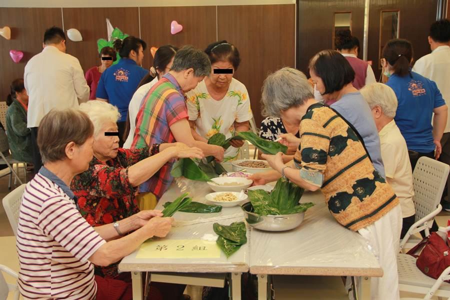 民众自行包粽子可以增加天然纤维质馅料,多使用瘦肉等食材。