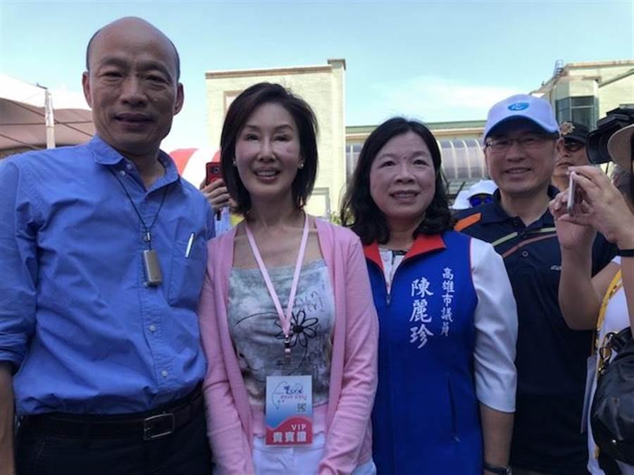 夏光莉(左二)日前與韓國瑜(左)出席點睛儀式。