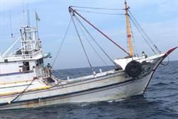 陸船擦撞我漁船肇事逃逸 金澎海巡艇合緝狂追百浬討公道