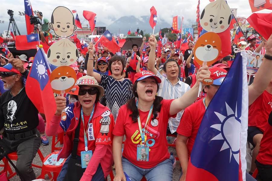 熱情挺韓民眾。(季志翔攝)