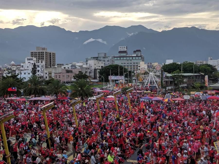 韓國瑜參選總統花蓮造勢大會,挺韓民眾超過15萬人,再創花蓮史上造勢紀錄。