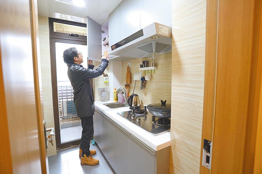 2018年3月20日,台青林哲是入住上海楊浦人才公寓的首批台灣房客。(中新社資料照片)