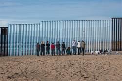 美軍奉命粉刷邊界圍牆 議員批川普浪費公帑