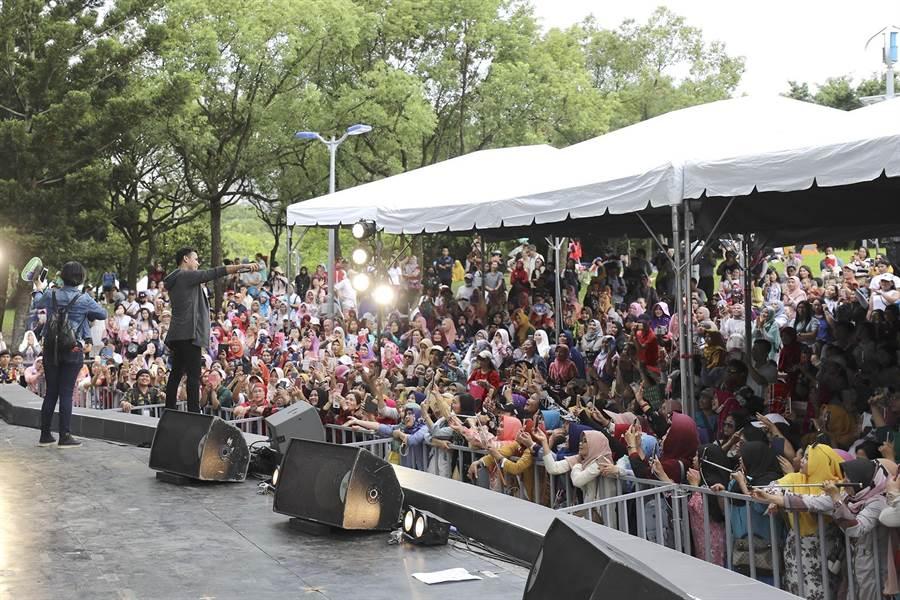 台北市府9日在大安森林公園盛大舉辦「2019台北開齋節暨穆斯林嘉年華」。(觀傳局提供)