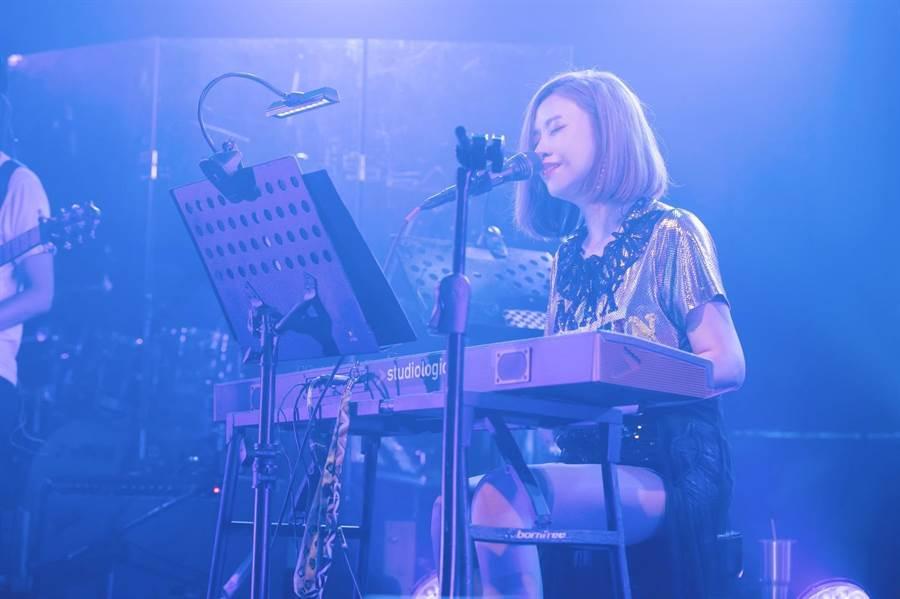 藍又時今在台北Legacy舉辦演唱會。(寬宏提供)