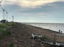 歷時一週 彰濱伸港海堤漂流垃圾完成清除