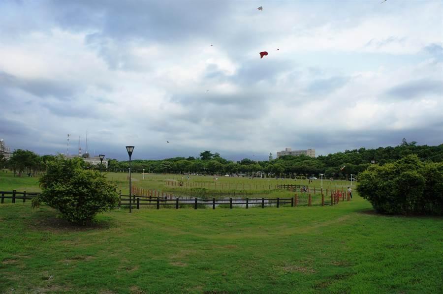斗六人文公園估計可容納3萬人。(周麗蘭攝)