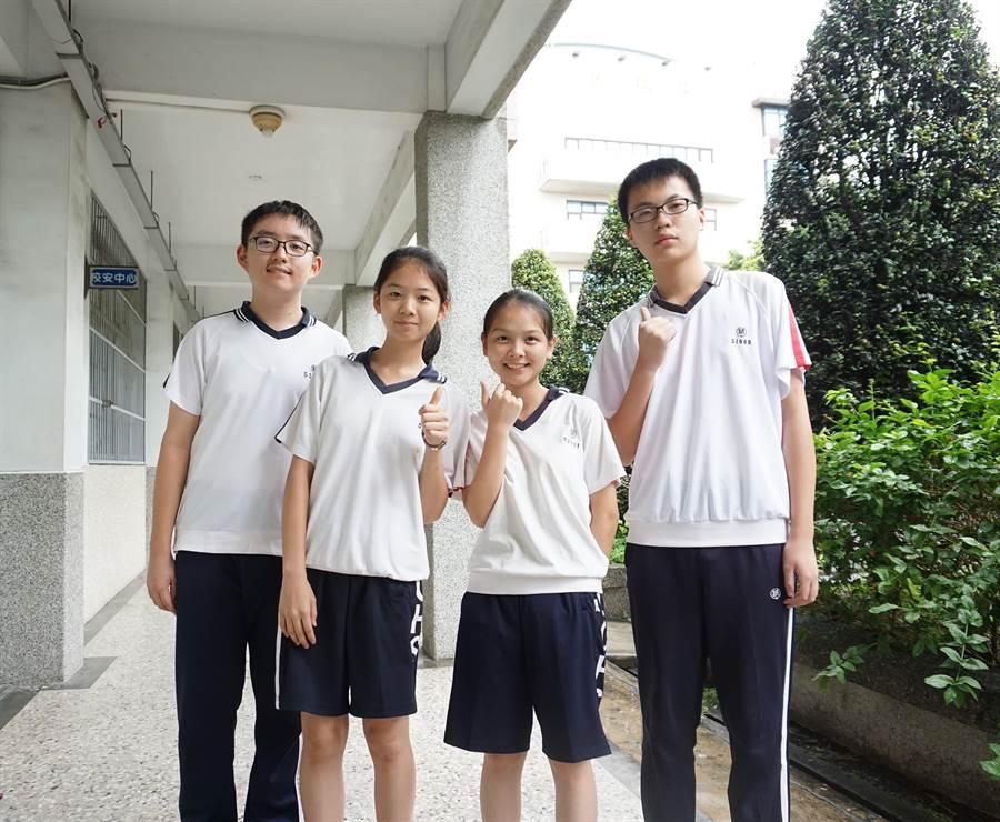 精誠中學4名考出五科5A++和作文滿級分的學生分享寫作拿高分的要領。(謝瓊雲攝)