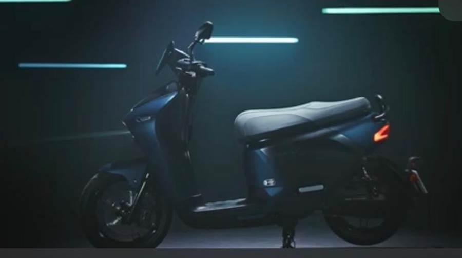 (台灣山葉將在8月上市首款與Gogoro合作打造的電動機車EC-05。圖:業者提供)