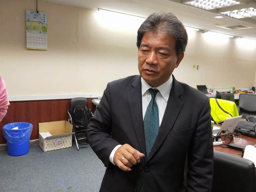 台南市議長郭信良呼籲市府多加把勁,讓城市棒球隊更加公開透明,使市民有參與感。(洪榮志攝)