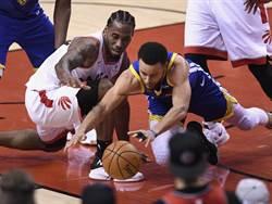 NBA》美媒:勇士應把進攻權交還柯瑞