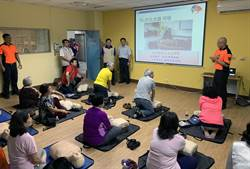 樂齡者學CPR 遇到緊急免煩惱