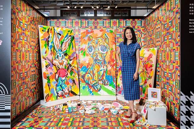 曲家瑞以花花世界為主題,展示藝術創作。(圖取自台灣設計館粉絲頁)