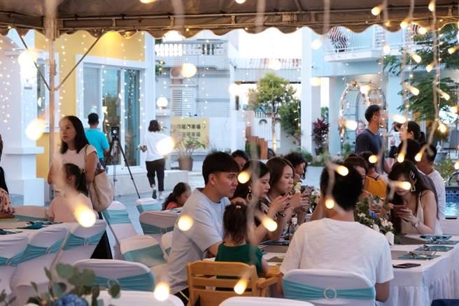 進駐夢幻島的7家業者串聯合作發起夢想計畫,將以民宿村型態提供婚禮、派對一條龍服務。(謝佳潾攝)