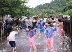 暖暖親水季暑假開放 親子結伴打水仗