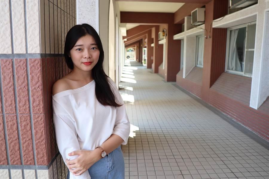 郭慧甄是台首大親善大使,曾獲新市農會毛豆小姐選拔第3名。(劉秀芬攝)