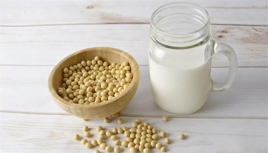 少吃豆類、黃豆製品(如豆腐),容易缺乏蛋白質。(圖片來源:pixabay)