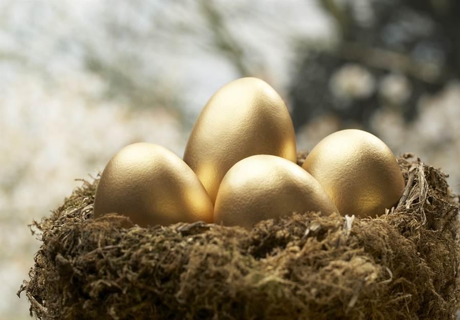 孔雀產下比黃金貴的蛋?專家曝真相(示意圖/達志影像)
